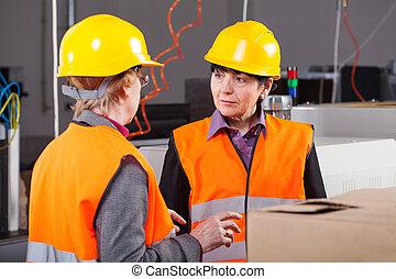 fabriek, werkende vrouwen