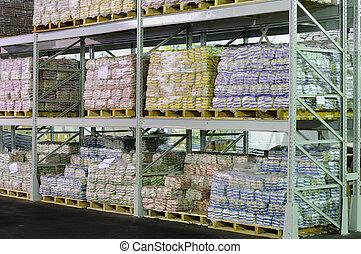 fabriekshal, in, magazijn, planken
