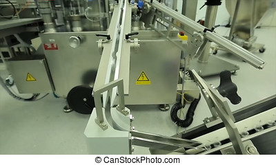 fabrikation, industry., machine., flasker, transportbånd, tablet, farmaceutisk, arbejder, syringes., det opererer, emballering, glas, bokse, maskine, ampoules, factory., pharmaceutics., beklæde, syringe., blist