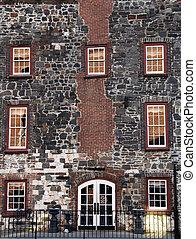 facade costruzione, storico