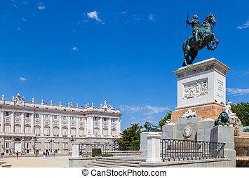 Madrid Royal Palace - Facade of Madrid Royal Palace and...