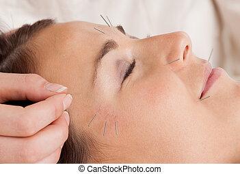 facciale, agopuntura, trattamento, dettaglio