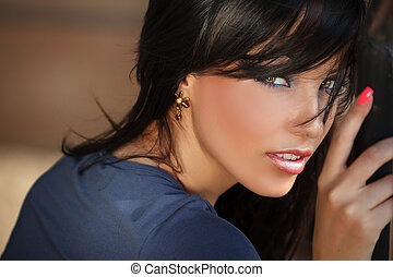 Face portrait of beautiful young woman