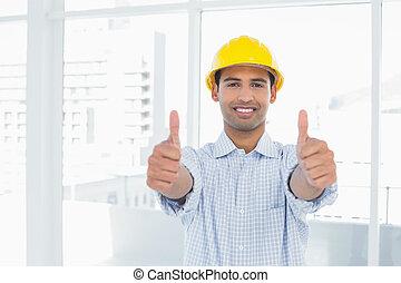 factótum, en, sombrero duro amarillo, gesturi