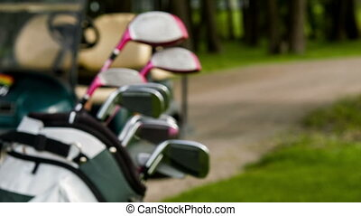 Fade in of golf equipment