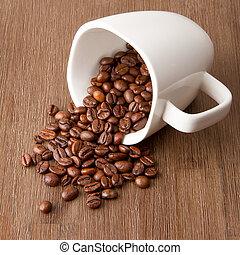 fagioli caffè, rovesciato, tazza
