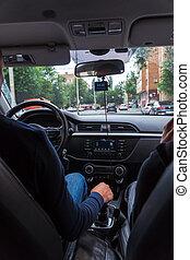 fahren, straße, auto., mann, windschutzscheibe, ansicht