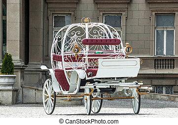 Fairy tale carriage - photo of White metal Fairy tale...