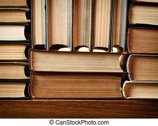 fait, vieux livres, fond, arrangé, piles