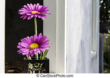 Fake flower pots