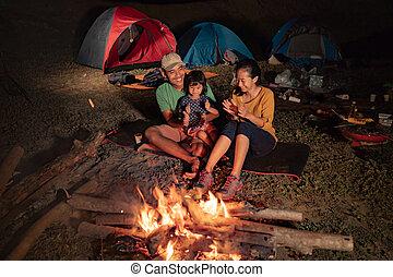 falò, campeggio, famiglia, felice