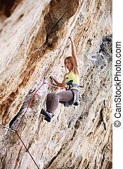 falaise, grimpeur, jeune, femme, rocher
