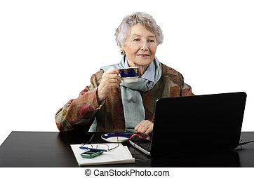 falando, café bebendo, skype