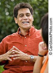 falando, homem, hispânico