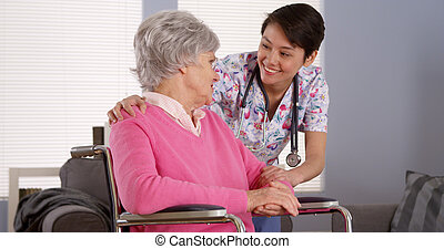 falando,  Sênior, paciente, Asiático, enfermeira