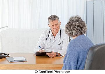 falando, sênior, seu, paciente, doutor