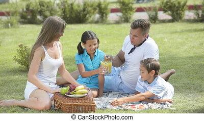 falatozás, család