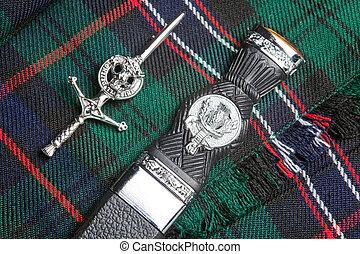 falda escocesa, alfiler, cuchillo, escocés