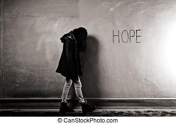 falfirkálás, remény