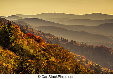 Fall in Great Smoky Mountains National Park - Early morning ...