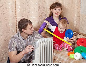 família, casa, perto, aquecedor óleo