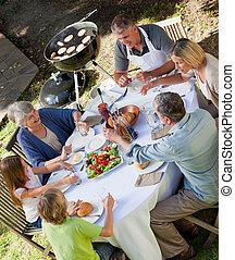 família come, jardim