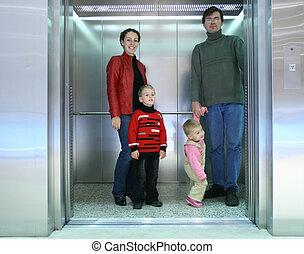 família, em, elevador