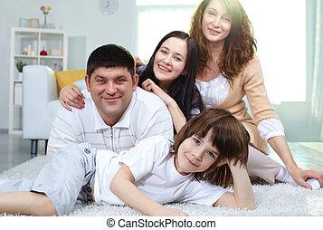 família feliz, casa