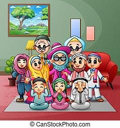 família feliz, grande, recolhido, lar, muçulmano, membros, junto