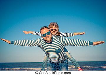 família feliz, ligado, férias verão