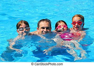 família feliz, piscina