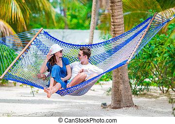 família, ligado, férias verão, relaxante, em, rede