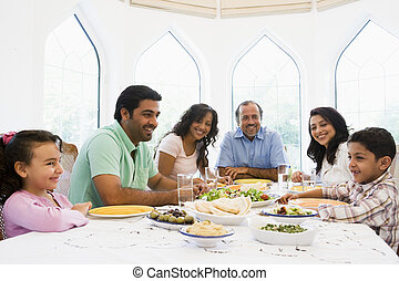 família, oriental, junto, meio, desfrutando, refeição
