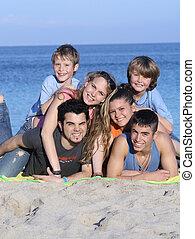 família prolongada, crianças, feriado, ou, férias