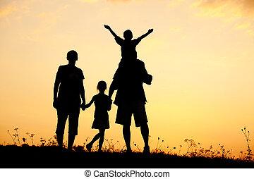 família, silueta, crianças, pai, verão, mãe, pôr do sol, feliz