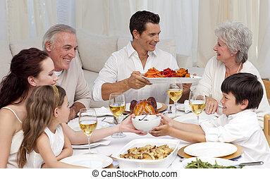 família, tendo, um, grande, jantar, casa