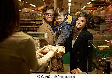 famiglia, acquisto, bread, in, uno, supermercato