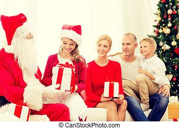 famiglia, claus, regali, santa, casa, sorridente