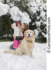 famiglia, con, uno, cane, a, inverno