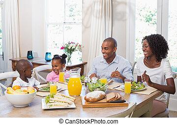famiglia felice, godere, uno, pasto sano, insieme
