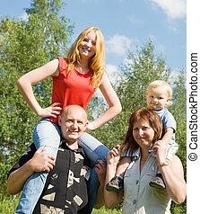 famiglia felice, quattro