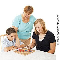 famiglia, gioco cartolina, -, mamma, aiuta