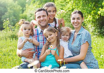 famiglia, giovane, quattro, fuori, bambini, felice