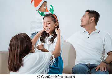 famiglia, insieme, natale, asiatico, godere, giorno