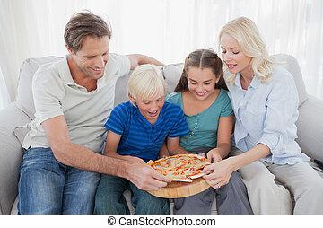 famiglia mangiando, pizza, insieme
