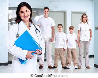 famiglia, medico, donna, sorridente, dottore