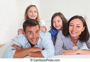 famiglia, persone, posa, divano, giù, 4