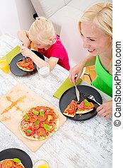 famiglia, pizza, mangiare