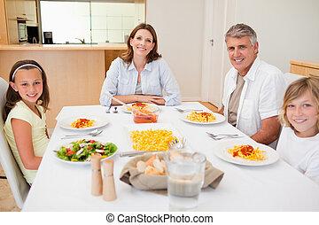 famiglia, pranzo