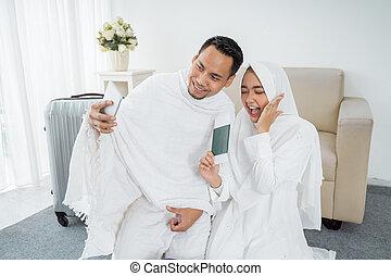 famiglia, selfie, musulmano, tradizionale, bianco, vestiti